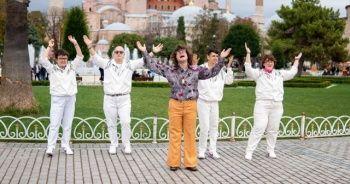 Bee Gees'in Stayin' Alive şarkısı engelli gençlerin sesi oluyor