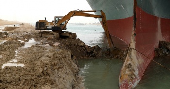 Beyaz Saray: Süveyş Kanalı'nın trafiğe açılması için Mısır'a yardım teklifinde bulunduk