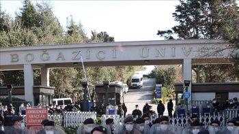 Boğaziçi Üniversitesi'ndeki Kabe fotoğrafının yere serilmesine ilişkin davada ara karar