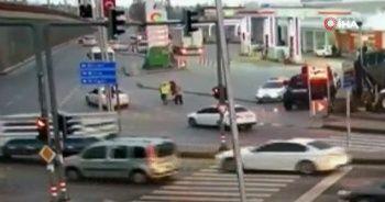 Doluya tutulan ailenin yardımına kahraman polis koştu