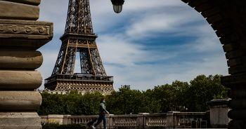 Fransa'da 1 aylık sokağa çıkma kısıtlaması başladı