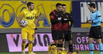 Galatasaraylı futbolcu Mustafa Muhammed'in cezası belli oldu