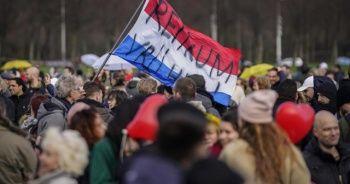 Hollanda'da seçim öncesi hükümet karşıtı protesto