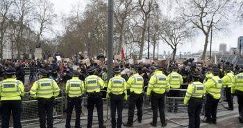 Londra Polis Teşkilatı Şefi, istifa çağrılarını reddetti