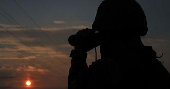 MSB: Türkiye'ye girmeye çalışan 1'i PKK'lı 5 kişi yakalandı