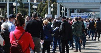 Sırbistan, komşu ülke vatandaşlarını da Kovid-19'a karşı aşılamaya başladı