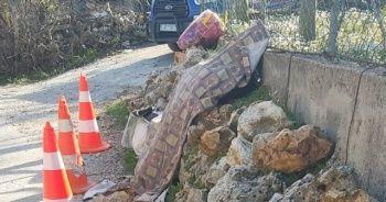 Yaşlı kadın yol kenarındaki duvarın yanında ölü bulundu
