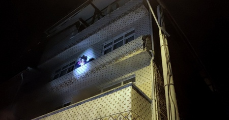 3 katlı apartmanda korkutan yangın