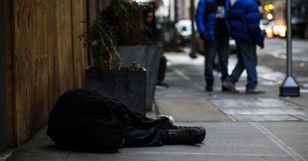 ABD'de evsizlere aşı önceliği