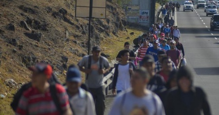 ABD polisi, Kovid-19'lu göçmenlerin ülkeye girişine izin verdi