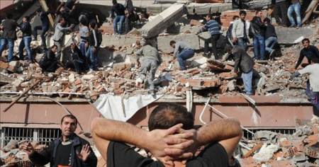 """AFAD uyardı: """"Deprem sonrası ilk 6 saate dikkat"""""""