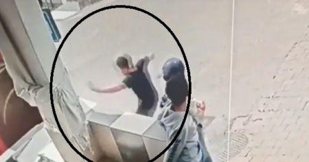 Ayağının üzerinden otobüs geçen çocuk ölümden kıl payı kurtuldu