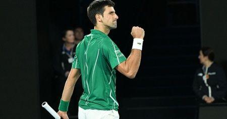 Djokovic, Federer'in rekorunu yakaladı