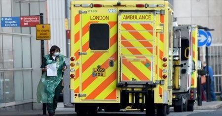 İngiltere'de 2 gündür Covid-19'a bağlı can kaybı 100'ün altında