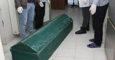 Van'da donmuş erkek cesedi bulundu