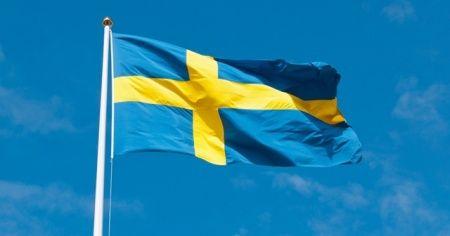 İsveç'te baltalı bir kişi Müslümanları tehdit etti