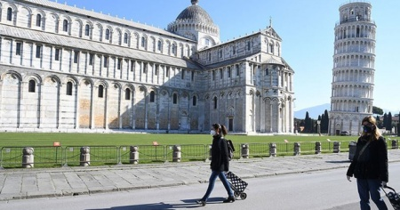 İtalya'da son 24 saatte 23 bin 641 yeni vaka