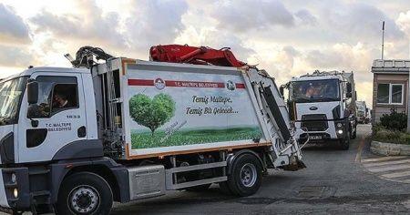Maltepe'de temizlik görevlilerinin çöp toplama mesaileri sürüyor