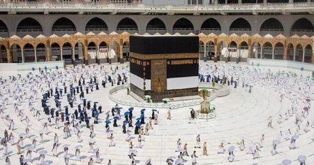 Suudi Arabistan'dan hacca gideceklere aşı şartı