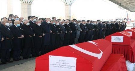 Bitlis şehitlerine veda