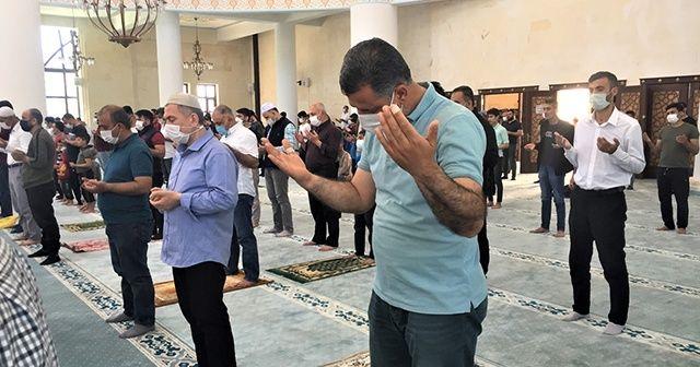 Cuma namazı sonrası kuraklığa karşı yağmur duası yapıldı