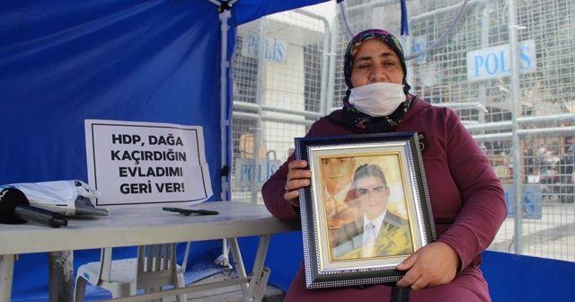 Evlat nöbetine katılan anne: Benim evladımı HDP kaçırdı