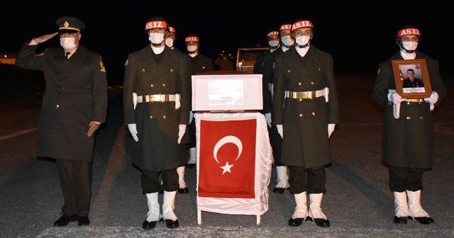 Hakkari'de dereye düşerek şehit olan asker için tören düzenlendi