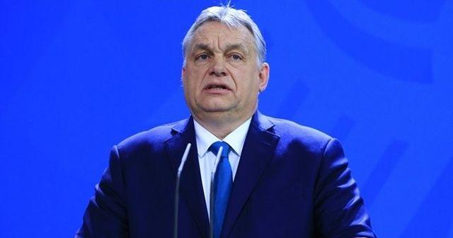 Macaristan aşı olanlara kısıtlamaları kaldırıyor