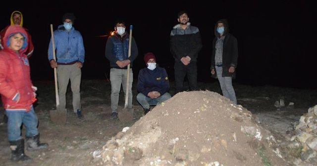 Murat Nehri'ne düşen 6 yaşındaki İpek toprağa verildi