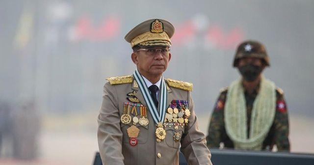 Myanmar'da cunta lideri ASEAN zirvesine katılacak