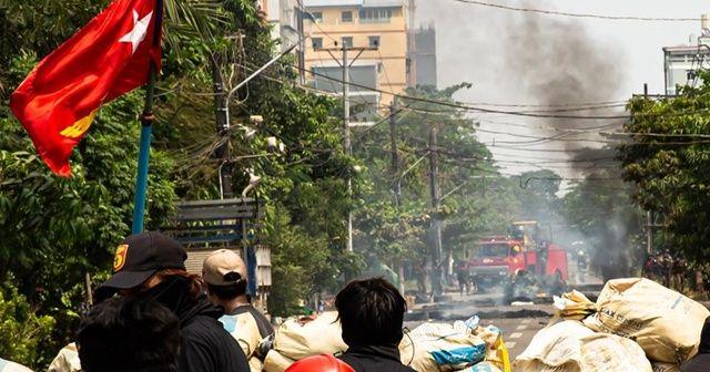 Myanmar ordusu Bago'da protestoculara ateş açtı: 20 ölü