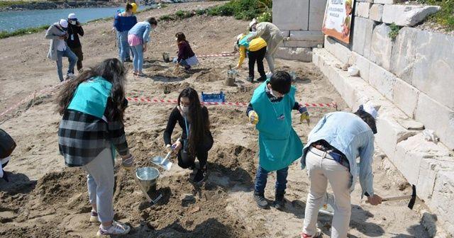 Otizmli çocuklar Knidos'ta kazı yaptı