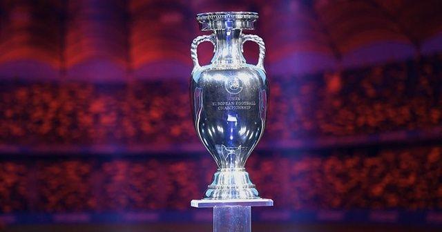 Son dakika: UEFA, EURO 2020 için şehir değişikliğine gitti!