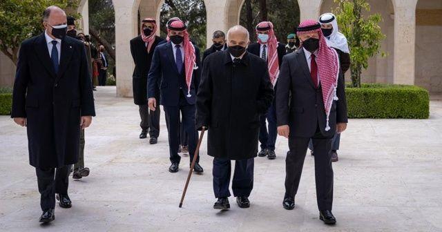 Ürdün Kralı ile Prens Hamza yan yana