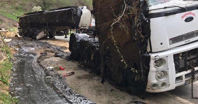 Zift dolu tanker devrildi, kara yolu ulaşıma kapandı