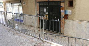 10 kişinin testi pozitif çıktığı apartman karantinaya alındı