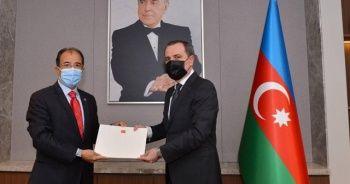 Azerbaycan Büyükelçisi Bağcı, güven mektubunu Bakan Bayramov'a sundu
