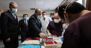 Bakan Varank ve Bakan Akar'dan aşı çıkarması