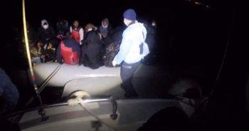 Batmak üzere olan lastik bottaki 36 göçmen kurtarıldı