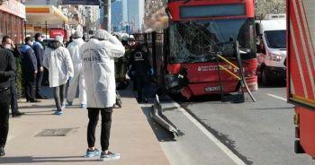 Beşiktaş'ta çift katlı İETT otobüsü kaza yaptı: 1 ölü