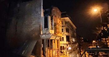 Beşiktaş'ta iki katlı binada çökme