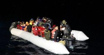 Çanakkale açıklarında 44 düzensiz göçmen kurtarıldı