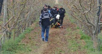 Çapa makinesine sıkışan çiftçi hayatını kaybetti