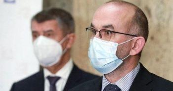 Çekya'da Rus ve Çin Kovid-19 aşısı Sağlık Bakanı'nı yerinden etti