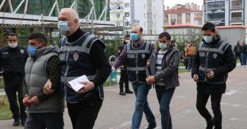 Demirci cinayeti zanlısı kardeşler adliyeye sevk edildi