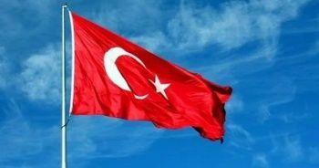 Dünyanın en büyük Türk bayrağı göklerle buluştu