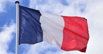 Fransa'da Kovid-19 uygulaması aşı karnesi olarak da kullanılacak