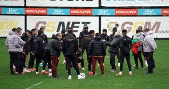 Galatasaray yağmur altında çalıştı
