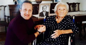 Hasan Polatkan'ın eşi organ yetmezliği sonucu 101 yaşında hayatını kaybetti