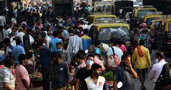 Hindistan'da günlük vaka sayısı 273 bini aştı